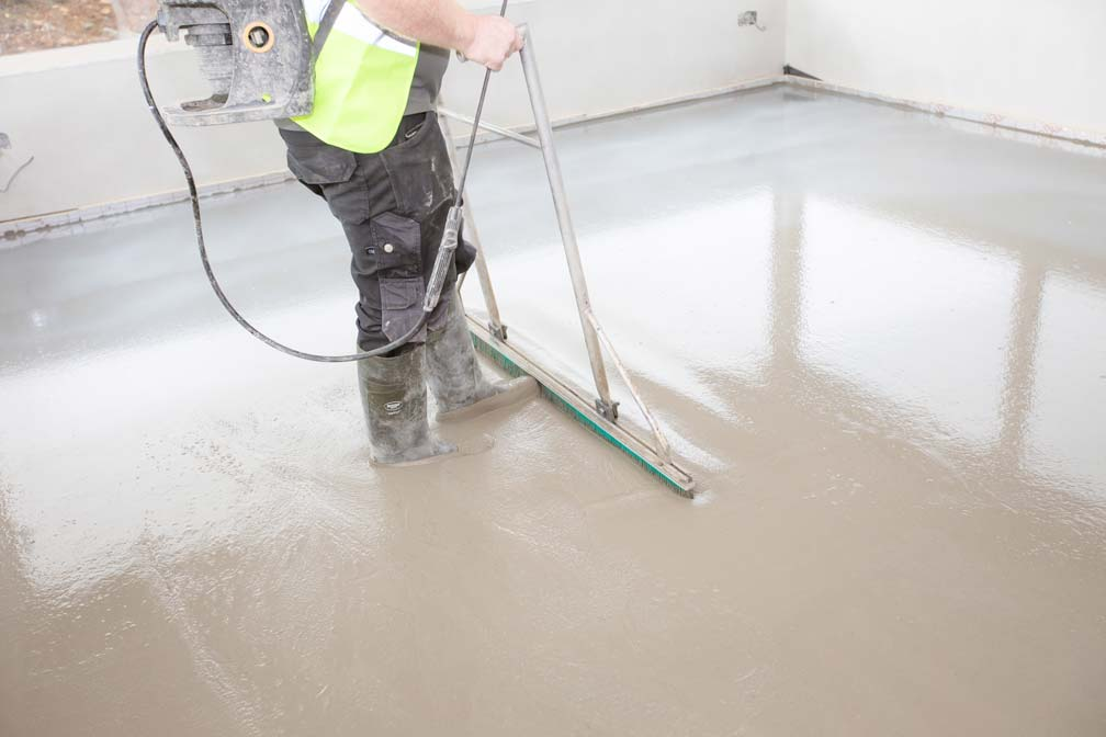 Cemfloor liquid screed finishing process